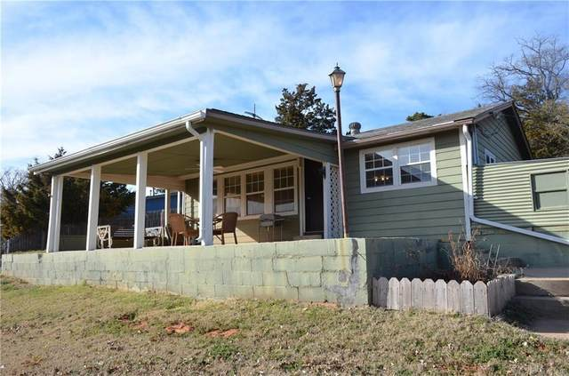 2036 Dogwood Street, Hinton, OK 73047 (MLS #936582) :: Homestead & Co