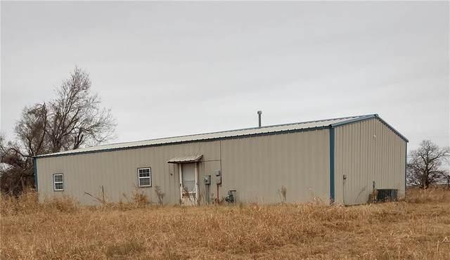 802 N Carnegie, Carnegie, OK 73015 (MLS #936605) :: Homestead & Co