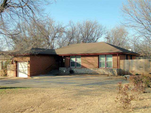 1101 Bedford Drive, Nichols Hills, OK 73116 (MLS #936801) :: Homestead & Co