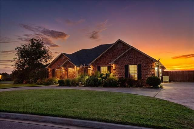 1201 Bluestem Drive, Elk City, OK 73644 (MLS #937164) :: Homestead & Co