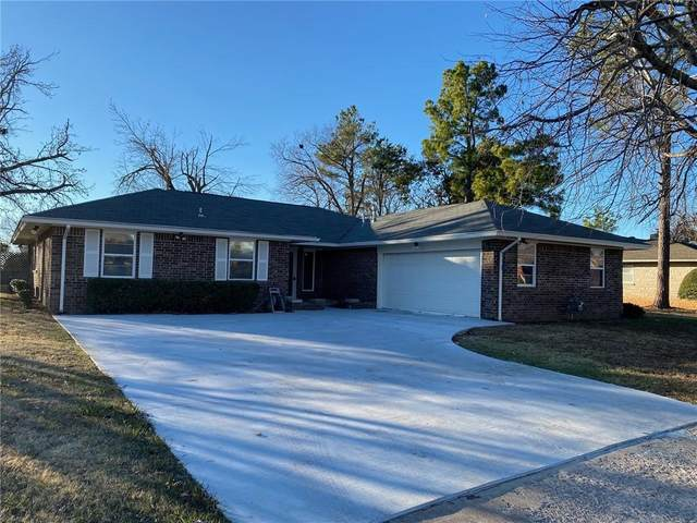 3309 Fairway Drive, Moore, OK 73160 (MLS #937558) :: Homestead & Co