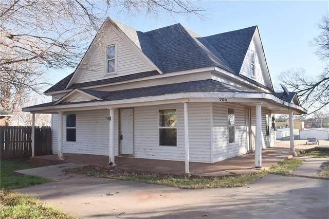 906 N Adams Street, Elk City, OK 73644 (MLS #937663) :: Homestead & Co