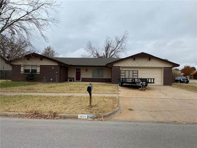 1021 Stonegate Street, Weatherford, OK 73096 (MLS #938049) :: Your H.O.M.E. Team