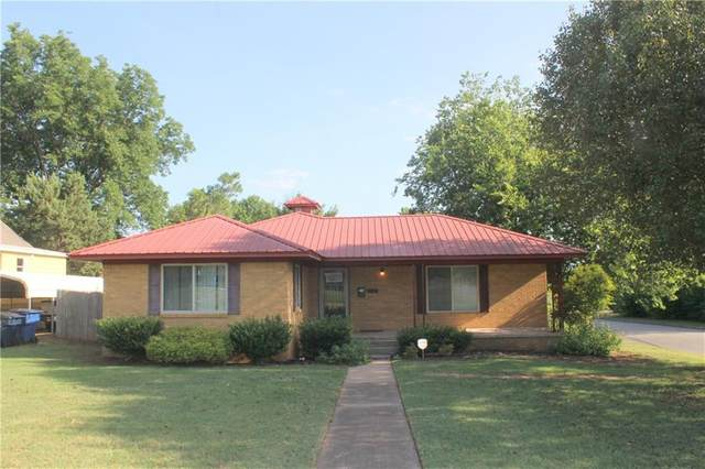 716 W Main Street, Purcell, OK 73080 (MLS #938564) :: The UB Home Team at Whittington Realty