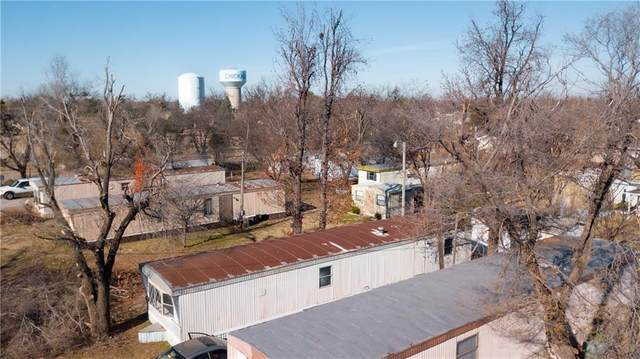 1728 S 8th Street, Chickasha, OK 73018 (MLS #938880) :: Homestead & Co