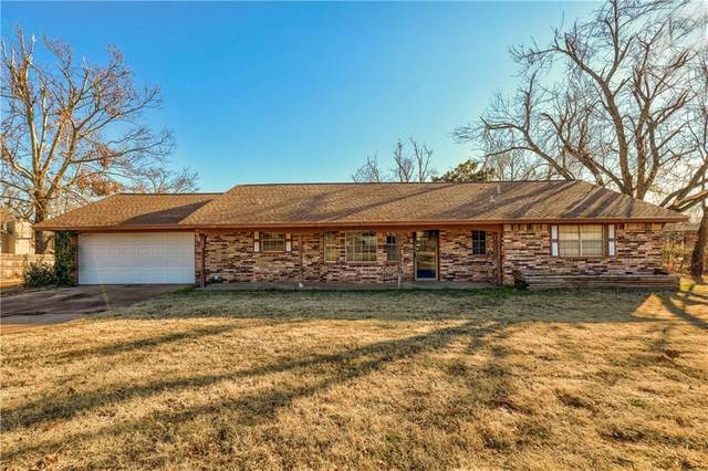 108 Pinewood Drive, Tuttle, OK 73089 (MLS #939177) :: Homestead & Co