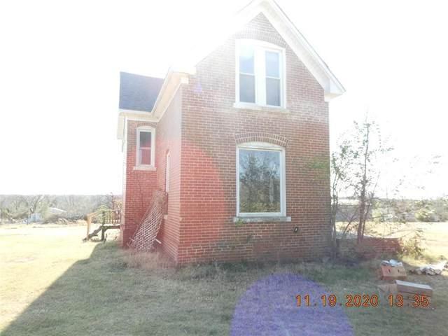 1901 E University Avenue, Guthrie, OK 73044 (MLS #939250) :: Homestead & Co
