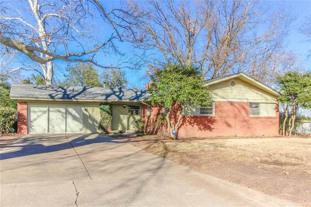 1715 Oakwood Drive, Norman, OK 73069 (MLS #940449) :: Homestead & Co