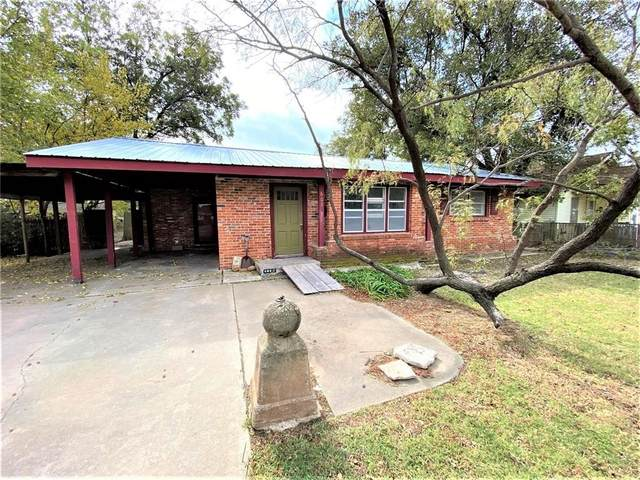 602 W Sproat Street, Mangum, OK 73554 (MLS #940880) :: Homestead & Co