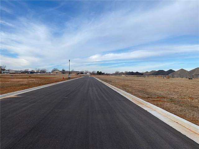 2703 Cloud Nine Circle, Weatherford, OK 73096 (MLS #941183) :: Homestead & Co