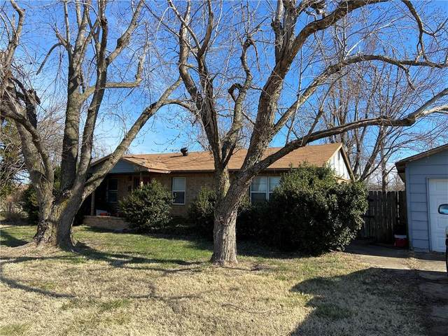 416 S Czech Hall, Mustang, OK 73064 (MLS #941307) :: Homestead & Co