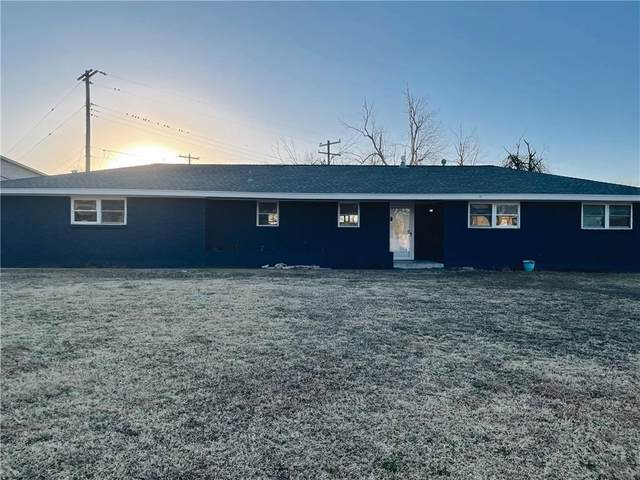600 Penn Lane, Moore, OK 73160 (MLS #941519) :: Homestead & Co