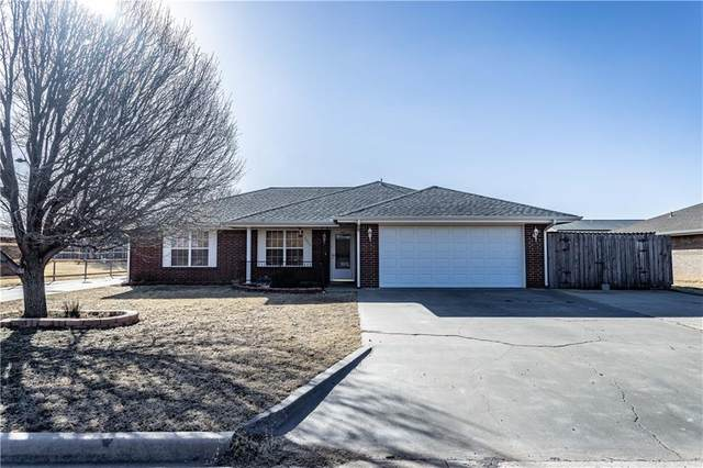 2008 Lynn Lane, Weatherford, OK 73096 (MLS #941539) :: ClearPoint Realty