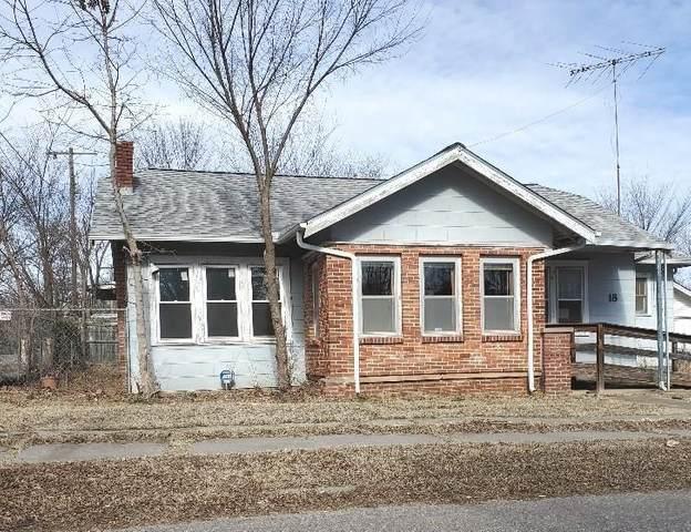18 E Wallace Street, Shawnee, OK 74801 (MLS #941809) :: Homestead & Co