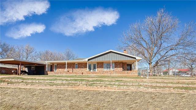 209 E Pine Avenue, Sayre, OK 73662 (MLS #941833) :: ClearPoint Realty
