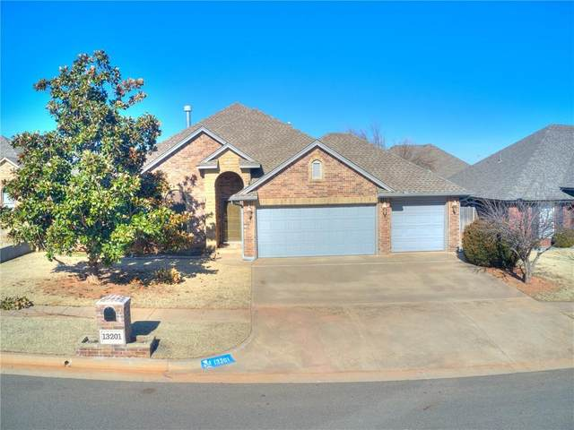 13201 SW 2nd Street, Yukon, OK 73099 (MLS #941845) :: ClearPoint Realty