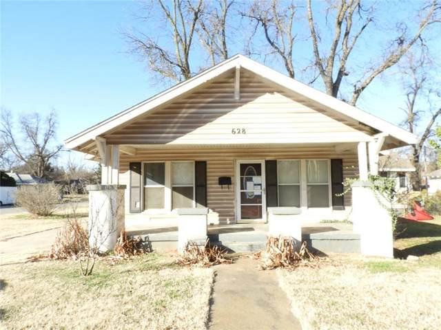 628 S 12th Street, Chickasha, OK 73018 (MLS #942108) :: Homestead & Co
