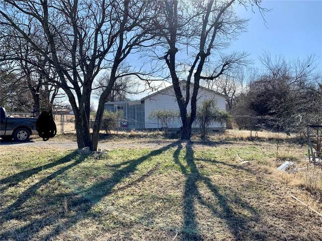 3200 N Bell Avenue, Shawnee, OK 74804 (MLS #942146) :: The UB Home Team at Whittington Realty