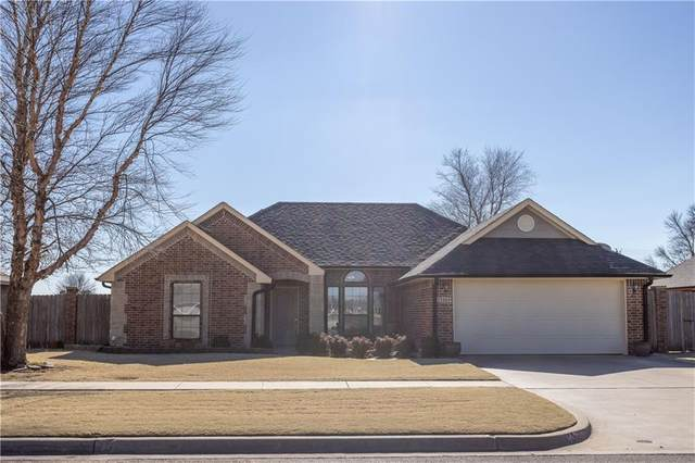 2306 Ez-Go Drive, Weatherford, OK 73096 (MLS #942426) :: Erhardt Group at Keller Williams Mulinix OKC