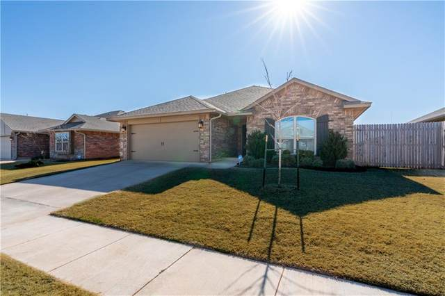 9024 SW 48th Terrace, Oklahoma City, OK 73179 (MLS #942453) :: The UB Home Team at Whittington Realty