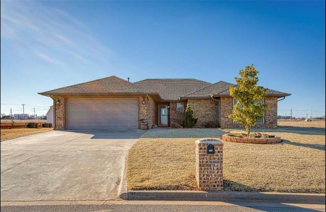 107 Chuck Wagon Way, Elk City, OK 73644 (MLS #942491) :: Homestead & Co