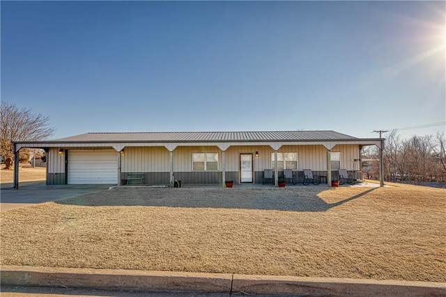 1108 E Main Street, Hammon, OK 73650 (MLS #942700) :: Your H.O.M.E. Team