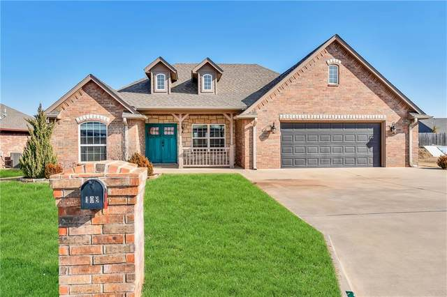 108 Surry, Elk City, OK 73644 (MLS #943176) :: Your H.O.M.E. Team