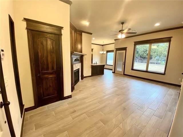 1008 Jack Rabbit Lane, Mustang, OK 73068 (MLS #943186) :: KG Realty