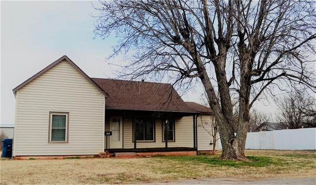 405 S Middle Street, Cordell, OK 73632 (MLS #943255) :: KG Realty