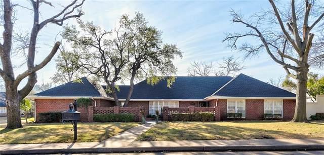 3000 Thorn Ridge Road, Oklahoma City, OK 73120 (MLS #943475) :: Erhardt Group at Keller Williams Mulinix OKC