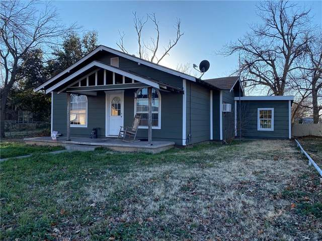 216 N Broadway Street, Tipton, OK 73570 (MLS #944349) :: Homestead & Co