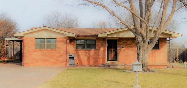 1413 N Market Street, Cordell, OK 73632 (MLS #947212) :: Your H.O.M.E. Team