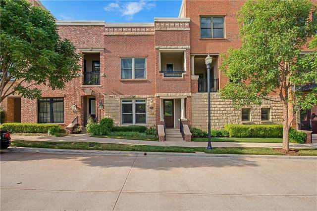402 NE 2nd Street, Oklahoma City, OK 73104 (MLS #947441) :: Your H.O.M.E. Team