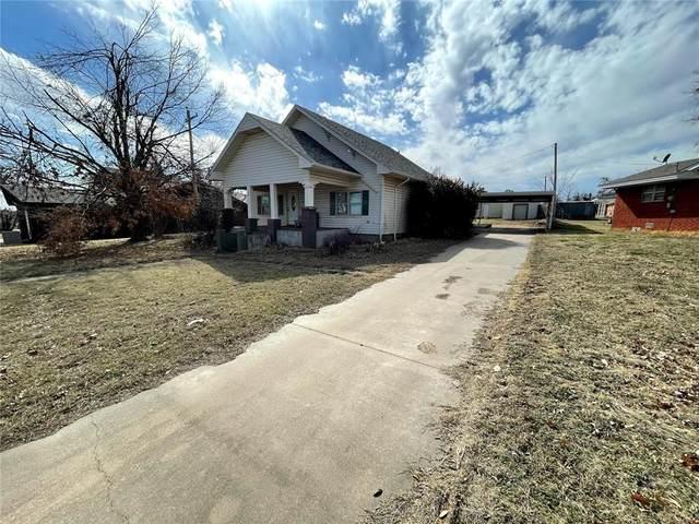 109 N Hampton Road, Rush Springs, OK 73082 (MLS #947493) :: KG Realty