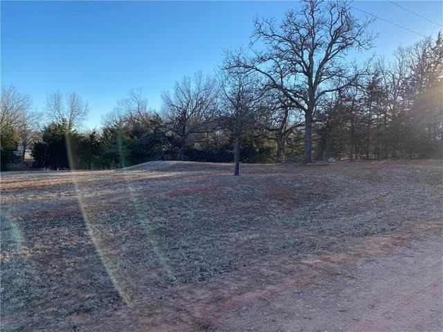 332327 E Whispering Oaks Drive, Wellston, OK 74881 (MLS #947666) :: Homestead & Co
