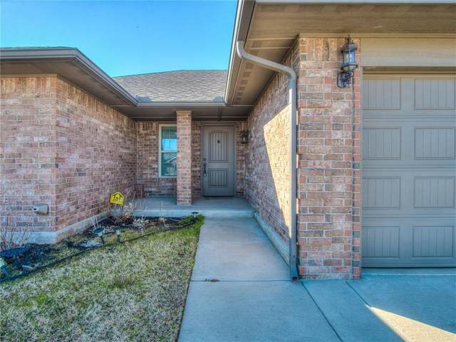 616 SW 43rd Street, Moore, OK 73160 (MLS #947672) :: The UB Home Team at Whittington Realty