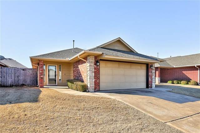 9016 NW 93rd Circle, Yukon, OK 73099 (MLS #947877) :: The UB Home Team at Whittington Realty