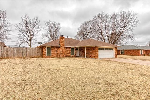 304 Willow Street, Elk City, OK 73644 (MLS #948210) :: KG Realty