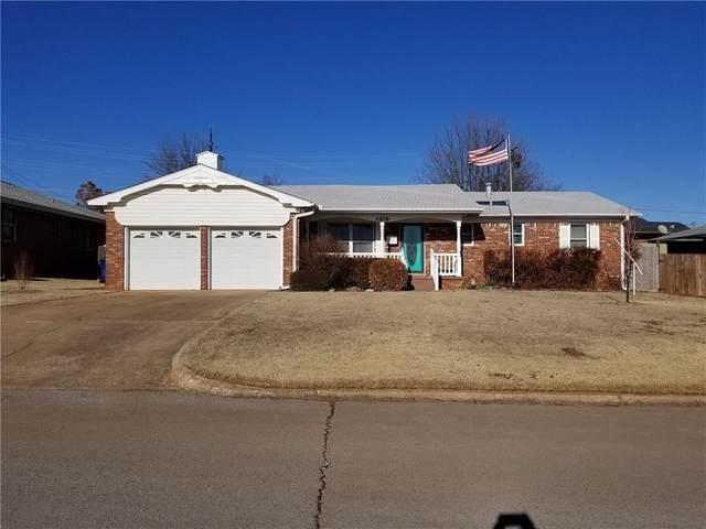 1210 Lynnwood Avenue, Lindsay, OK 73052 (MLS #948518) :: Homestead & Co