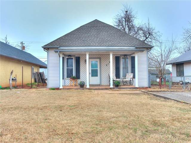 212 E Broadway Avenue, Kingfisher, OK 73750 (MLS #949614) :: Homestead & Co