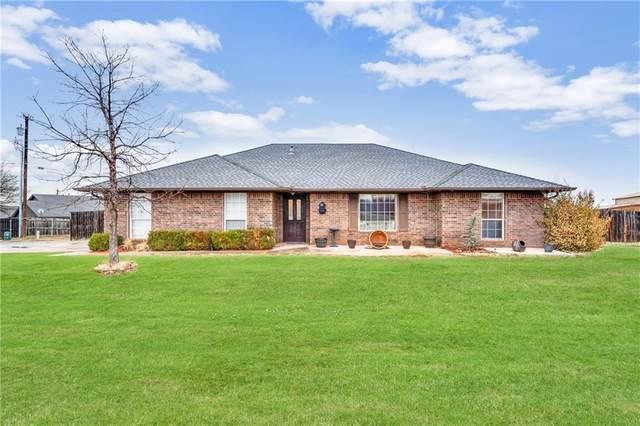 102 Oakridge Drive, Elk City, OK 73644 (MLS #949948) :: Homestead & Co