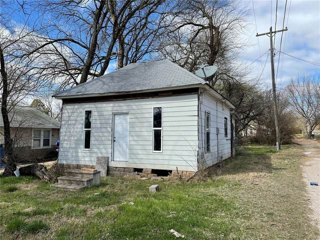 610 E Jefferson Street, Shawnee, OK 74801 (MLS #949962) :: Keller Williams Realty Elite