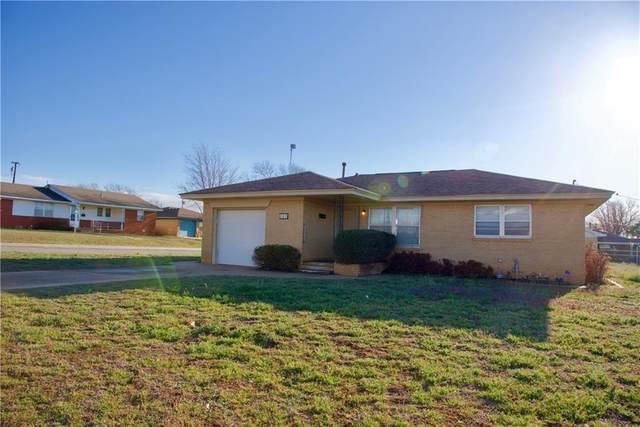 624 N Kansas Street, Weatherford, OK 73096 (MLS #950272) :: Keller Williams Realty Elite