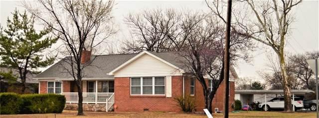 1101 N West Street, Cordell, OK 73632 (MLS #950303) :: Homestead & Co