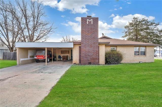 322 S Sheb Wooley Street, Erick, OK 73645 (MLS #951479) :: Erhardt Group at Keller Williams Mulinix OKC