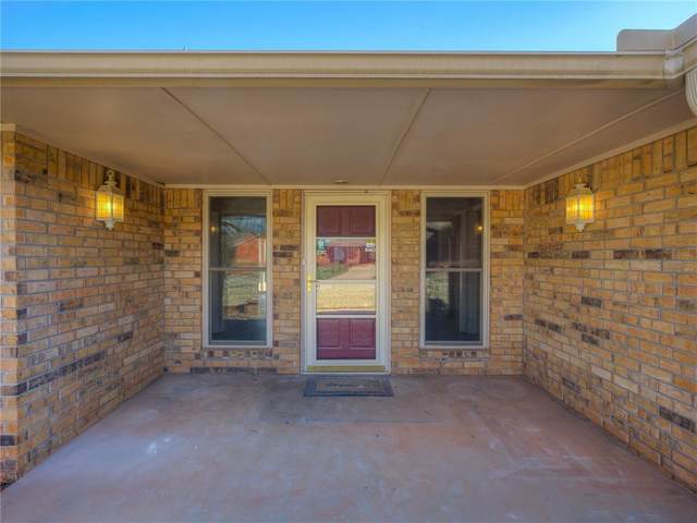 3821 Spyglass Road, Oklahoma City, OK 73120 (MLS #951578) :: Your H.O.M.E. Team