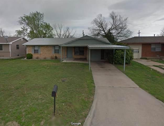 4819 NW Pollard Avenue, Lawton, OK 73505 (MLS #951621) :: ClearPoint Realty