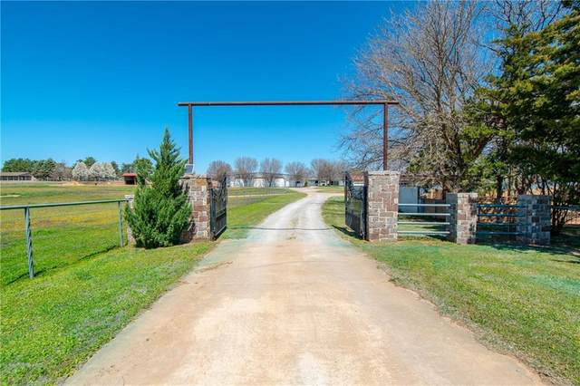 807 W Country Club Roads, Elk City, OK 73644 (MLS #952000) :: ClearPoint Realty