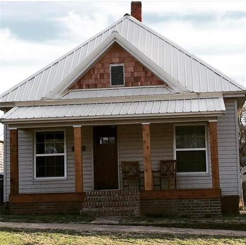 409 E Mansur Avenue, Guthrie, OK 73044 (MLS #952124) :: Homestead & Co