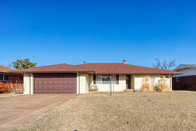 1207 S 7th Street, Kingfisher, OK 73750 (MLS #952489) :: Your H.O.M.E. Team